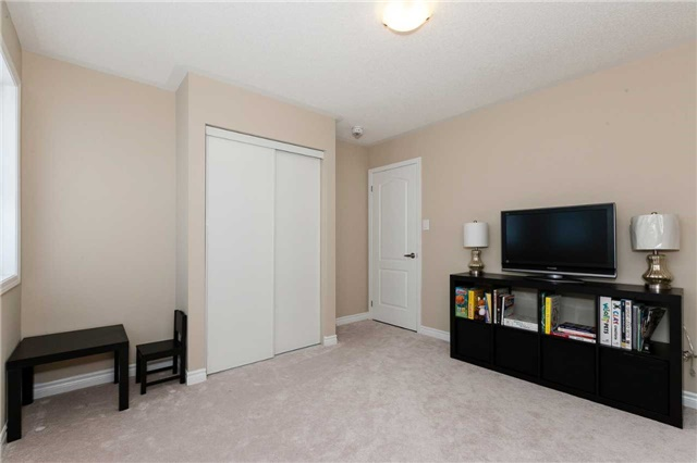 Townhouse at 84 Quillberry Clse, Brampton, Ontario. Image 10