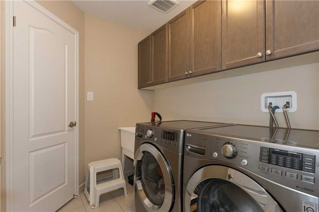 Townhouse at 84 Quillberry Clse, Brampton, Ontario. Image 11