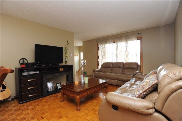 Detached at 37 Cassis Dr, Toronto, Ontario. Image 16