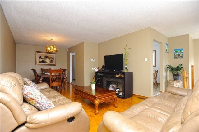 Detached at 37 Cassis Dr, Toronto, Ontario. Image 17