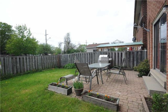Detached at 37 Cassis Dr, Toronto, Ontario. Image 11