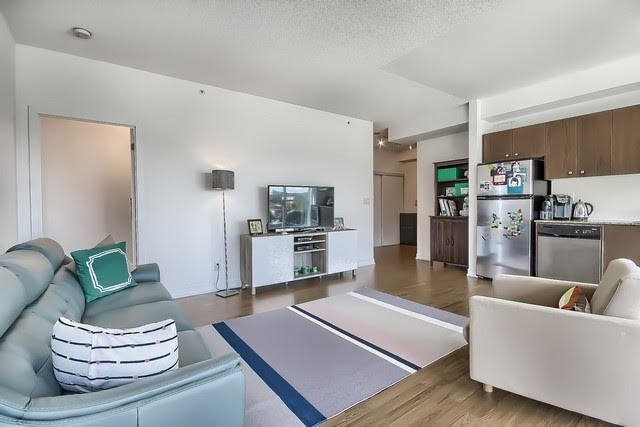 Condo Apartment at 5101 Dundas St W, Unit 604, Toronto, Ontario. Image 20