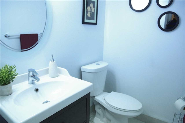 Condo Townhouse at 2155 South Millway Rd, Unit 35, Mississauga, Ontario. Image 2