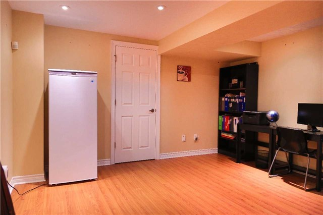 Condo Townhouse at 2155 South Millway Rd, Unit 35, Mississauga, Ontario. Image 3