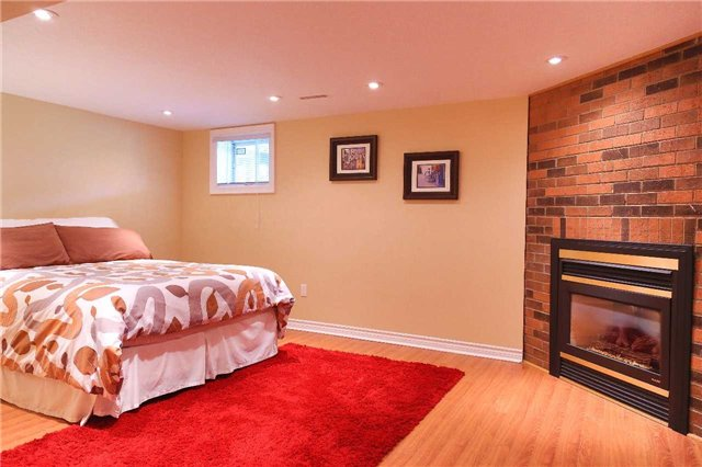 Condo Townhouse at 2155 South Millway Rd, Unit 35, Mississauga, Ontario. Image 4