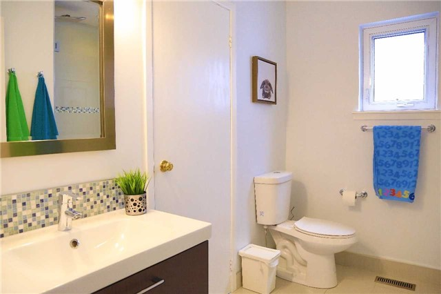 Condo Townhouse at 2155 South Millway Rd, Unit 35, Mississauga, Ontario. Image 8