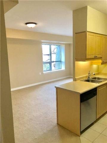 Condo Apartment at 830 Scollard Crt, Unit 305, Mississauga, Ontario. Image 14
