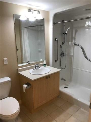 Condo Apartment at 830 Scollard Crt, Unit 305, Mississauga, Ontario. Image 18