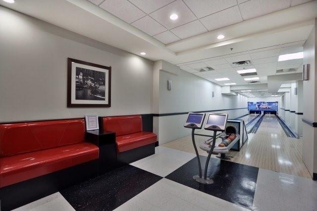 Condo Apartment at 830 Scollard Crt, Unit 305, Mississauga, Ontario. Image 7