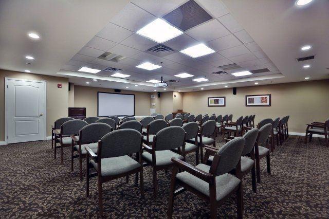 Condo Apartment at 830 Scollard Crt, Unit 305, Mississauga, Ontario. Image 8