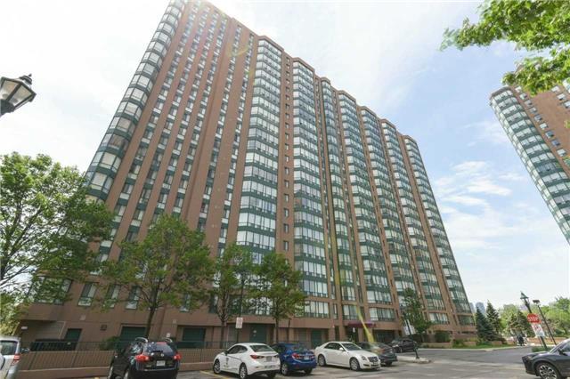 Condo Apartment at 155 Hillcrest Ave, Unit Ph 11, Mississauga, Ontario. Image 1