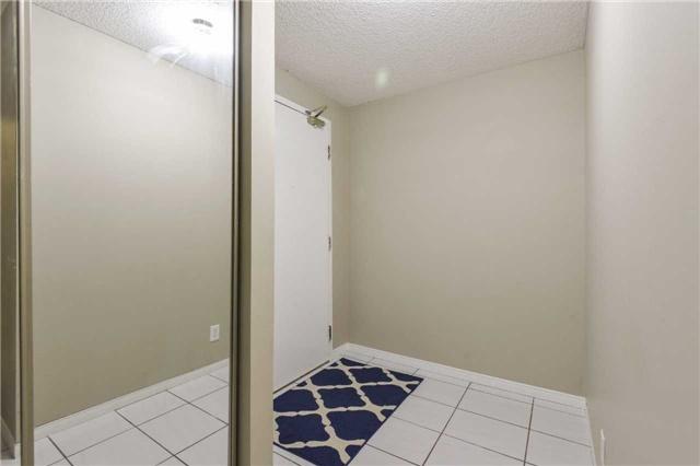 Condo Apartment at 155 Hillcrest Ave, Unit Ph 11, Mississauga, Ontario. Image 15