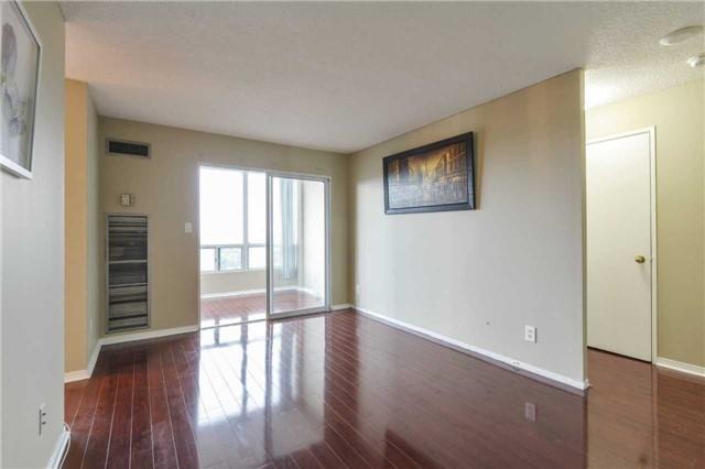 Condo Apartment at 155 Hillcrest Ave, Unit Ph 11, Mississauga, Ontario. Image 16