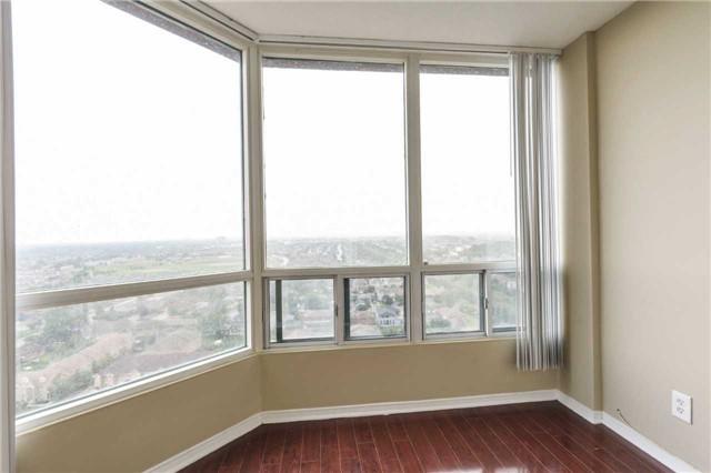 Condo Apartment at 155 Hillcrest Ave, Unit Ph 11, Mississauga, Ontario. Image 18