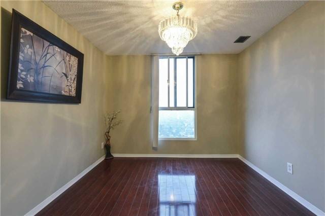 Condo Apartment at 155 Hillcrest Ave, Unit Ph 11, Mississauga, Ontario. Image 2
