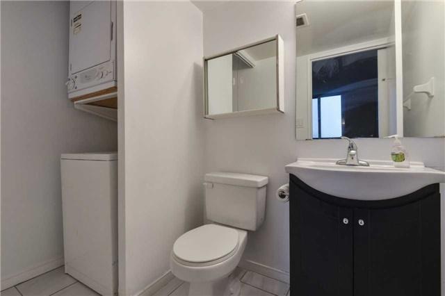 Condo Apartment at 155 Hillcrest Ave, Unit Ph 11, Mississauga, Ontario. Image 4