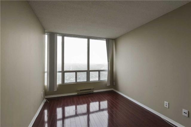 Condo Apartment at 155 Hillcrest Ave, Unit Ph 11, Mississauga, Ontario. Image 5