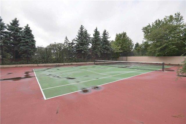 Condo Apartment at 155 Hillcrest Ave, Unit Ph 11, Mississauga, Ontario. Image 7