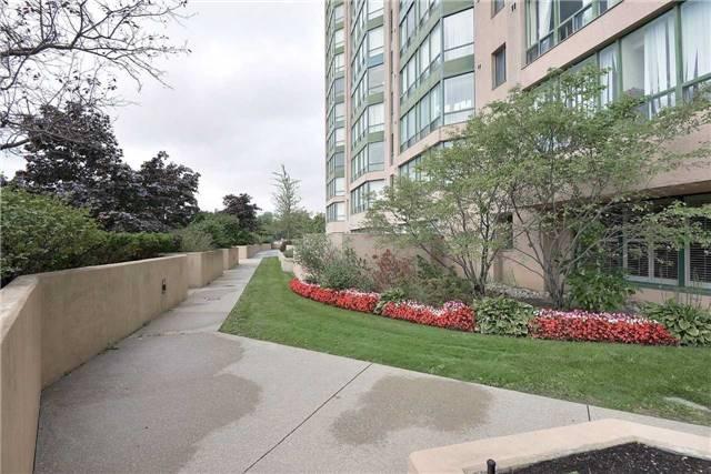 Condo Apartment at 155 Hillcrest Ave, Unit Ph 11, Mississauga, Ontario. Image 13