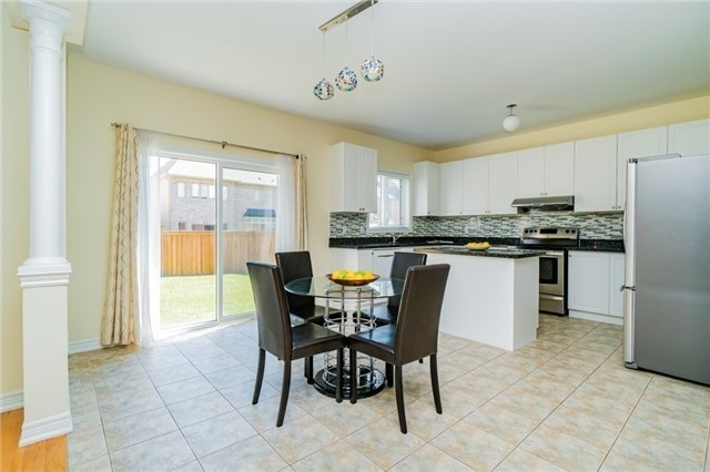 Detached at 13 Vernosa Dr, Brampton, Ontario. Image 11