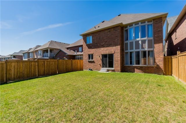 Detached at 13 Vernosa Dr, Brampton, Ontario. Image 6