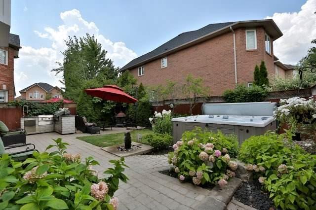 Detached at 2309 Woodcrest Dr, Oakville, Ontario. Image 9