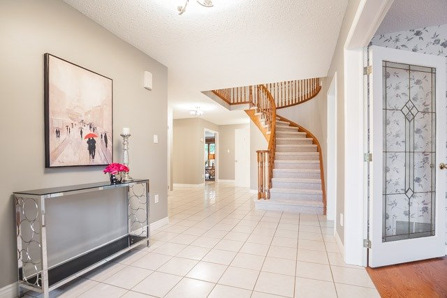 Detached at 1381 Willow Terr, Oakville, Ontario. Image 12