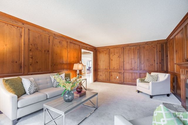 Detached at 1381 Willow Terr, Oakville, Ontario. Image 18