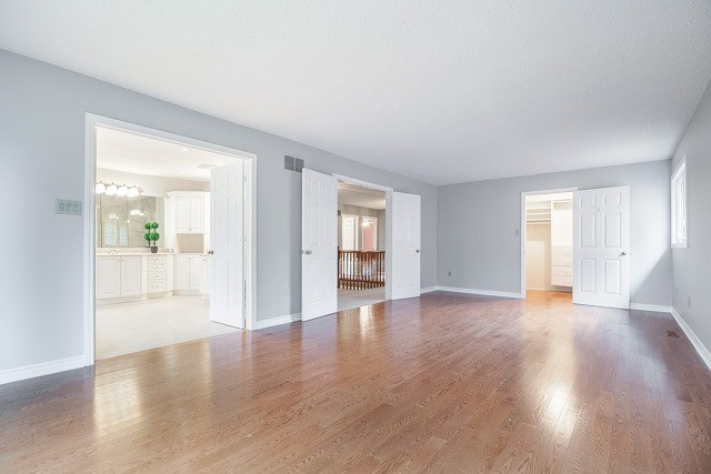 Detached at 1381 Willow Terr, Oakville, Ontario. Image 4