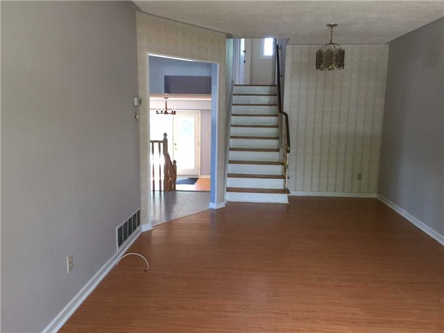 Detached at 2190 Blue Beech Cres, Mississauga, Ontario. Image 15