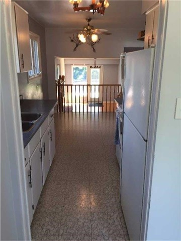 Detached at 2190 Blue Beech Cres, Mississauga, Ontario. Image 17