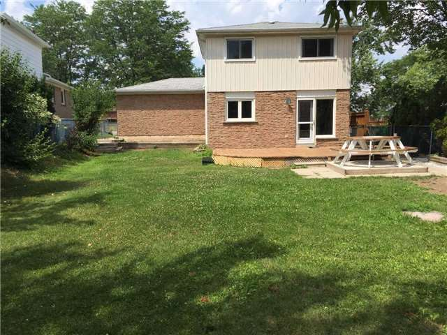 Detached at 2190 Blue Beech Cres, Mississauga, Ontario. Image 10