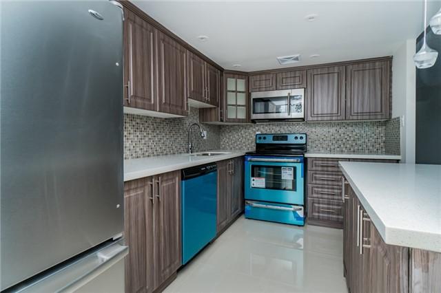 Condo Apartment at 350 Webb Dr, Unit 307, Mississauga, Ontario. Image 12