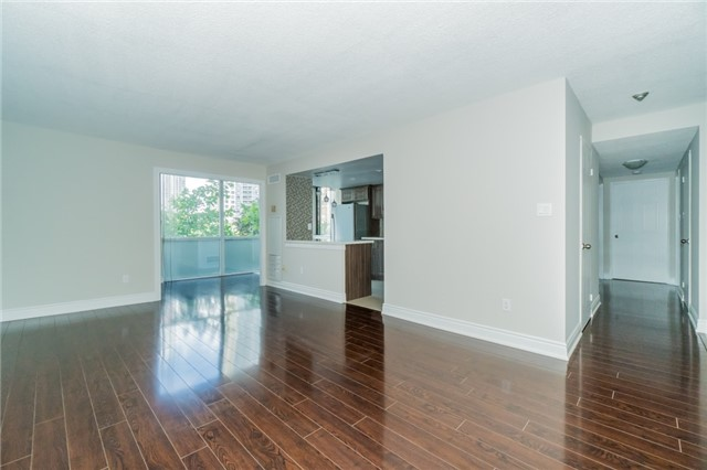 Condo Apartment at 350 Webb Dr, Unit 307, Mississauga, Ontario. Image 14