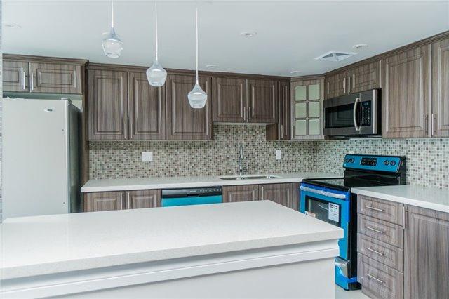 Condo Apartment at 350 Webb Dr, Unit 307, Mississauga, Ontario. Image 16