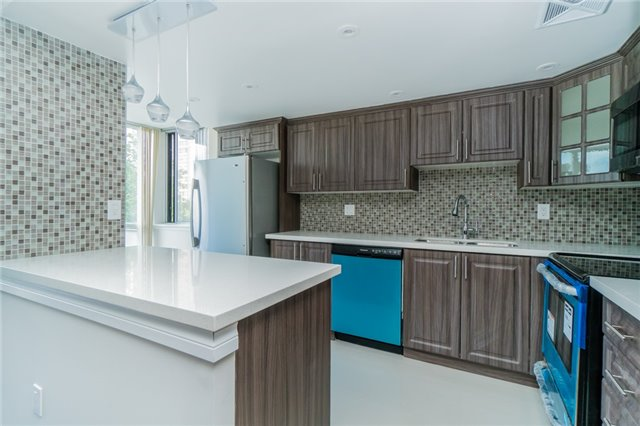 Condo Apartment at 350 Webb Dr, Unit 307, Mississauga, Ontario. Image 17