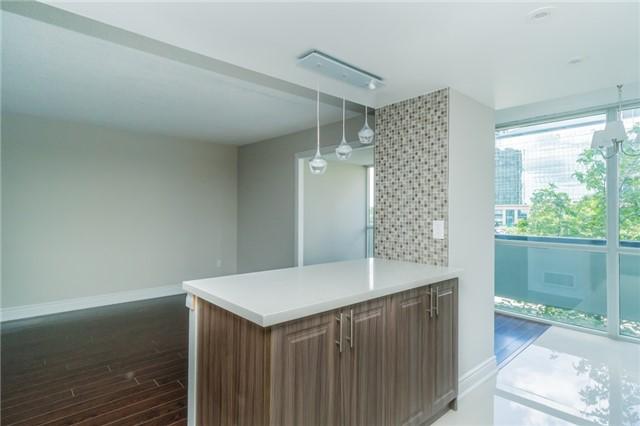 Condo Apartment at 350 Webb Dr, Unit 307, Mississauga, Ontario. Image 18
