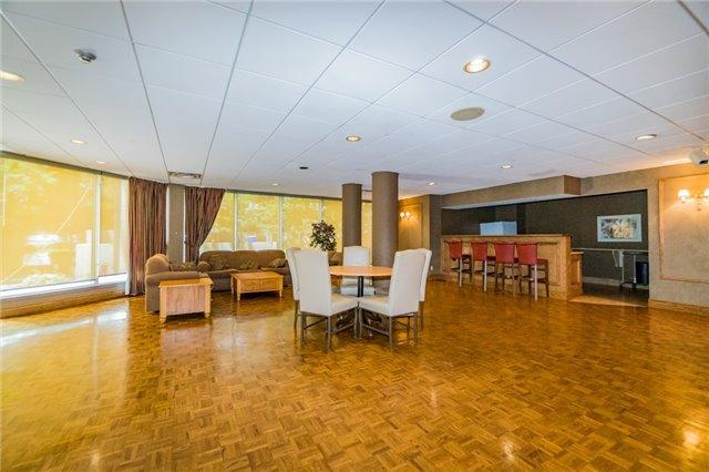 Condo Apartment at 350 Webb Dr, Unit 307, Mississauga, Ontario. Image 13