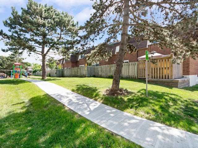 Condo Townhouse at 371 Bronte Rd S, Unit 80, Milton, Ontario. Image 13