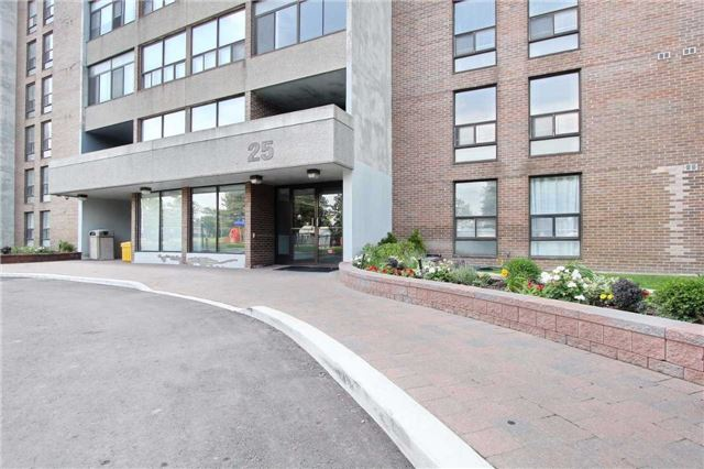 Condo Apartment at 25 Kensington Rd, Unit 1103, Brampton, Ontario. Image 1