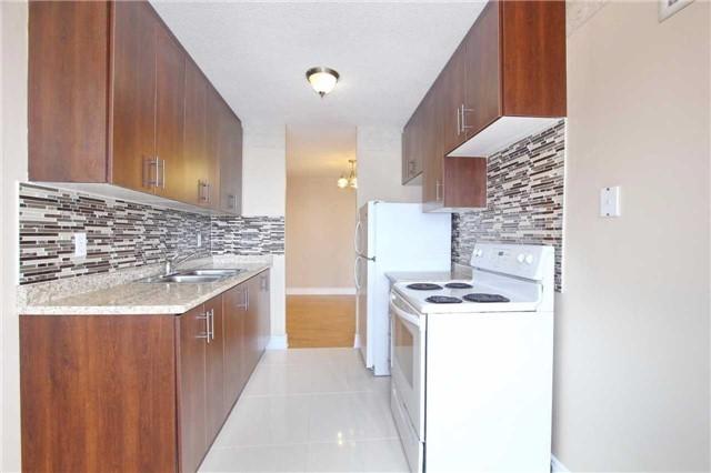 Condo Apartment at 25 Kensington Rd, Unit 1103, Brampton, Ontario. Image 14