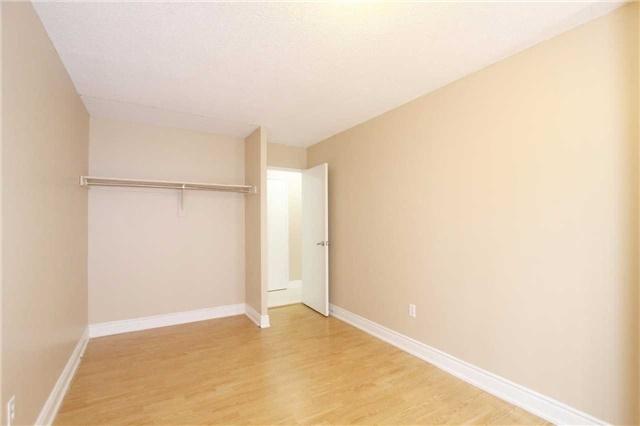Condo Apartment at 25 Kensington Rd, Unit 1103, Brampton, Ontario. Image 16