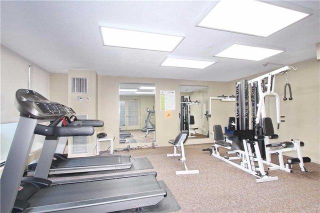 Condo Apartment at 25 Kensington Rd, Unit 1103, Brampton, Ontario. Image 7