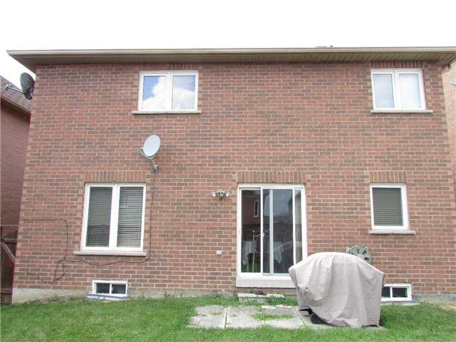 Detached at 26 Avalanche Cres, Brampton, Ontario. Image 7