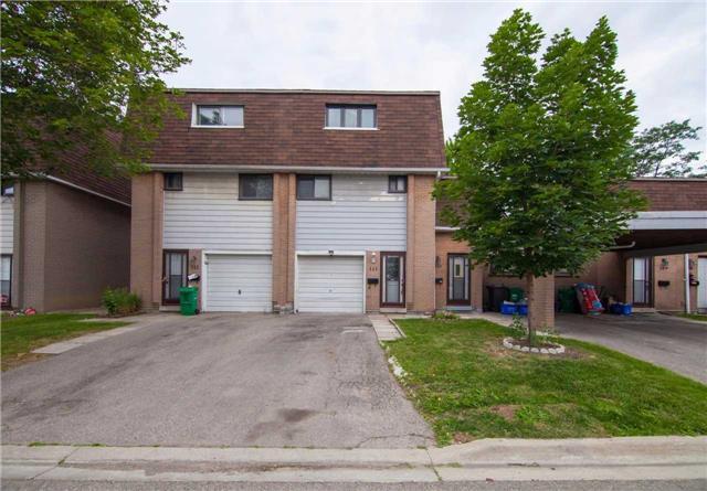Condo Townhouse at 475 Bramalea Rd, Unit 111, Brampton, Ontario. Image 1