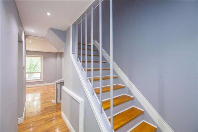 Condo Townhouse at 475 Bramalea Rd, Unit 111, Brampton, Ontario. Image 3