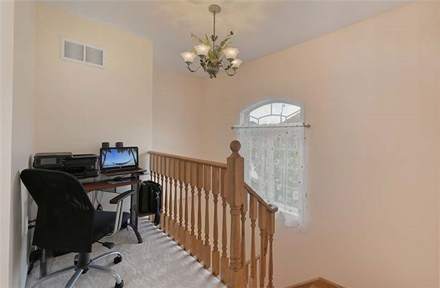 Semi-detached at 74 Passfield Tr, Brampton, Ontario. Image 18