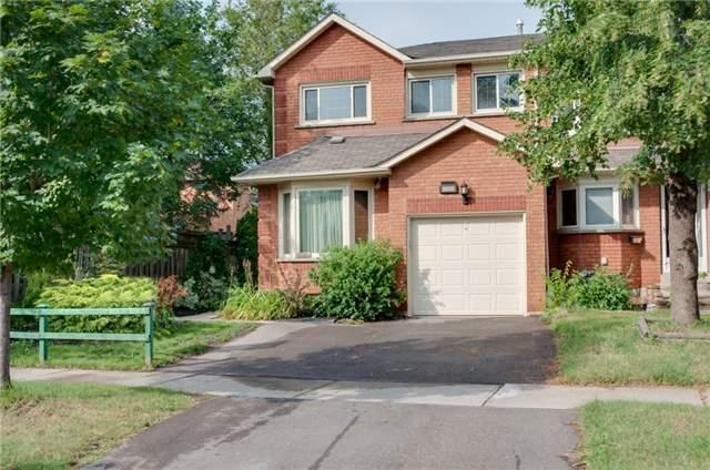 Townhouse at 5035 Mariner Crt, Mississauga, Ontario. Image 1