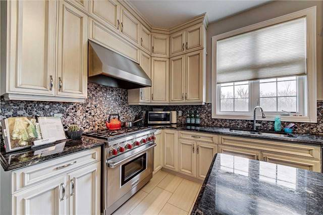 Detached at 69 North Park Blvd, Oakville, Ontario. Image 16