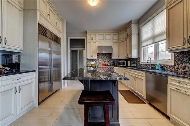 Detached at 69 North Park Blvd, Oakville, Ontario. Image 19